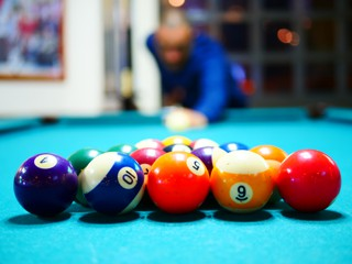 pool table refelting and pool table recovering in phoenix content